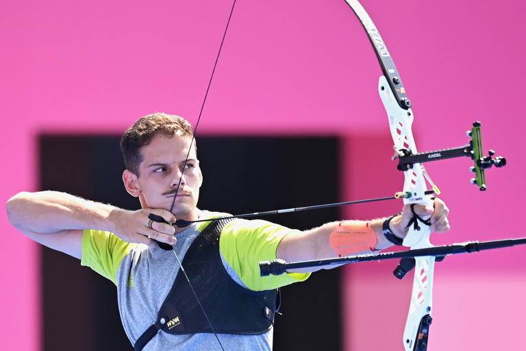 Marcus D'Almeida é prata no mundial de tiro com arco