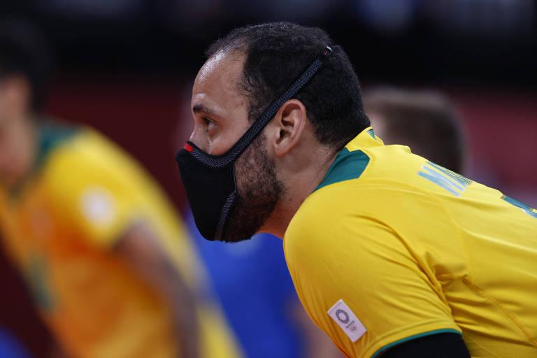 Mauricio Borges é um dos dois jogadores da seleção masculina que usa máscara em quadra