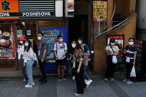 Covid sobe no Japão durante Olimpíadas, e mais cidades entram em estado de emergência