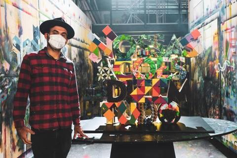 Eduardo Kobra faz arte com técnica upcycling, com itens que seriam descartados, em ação da Nespresso