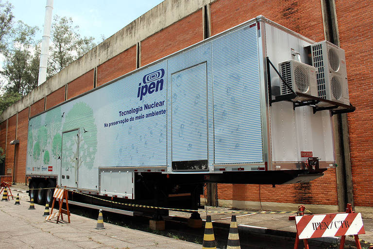 Instituto de pesquisa nuclear cria caminhão para tratar resíduo industrial
