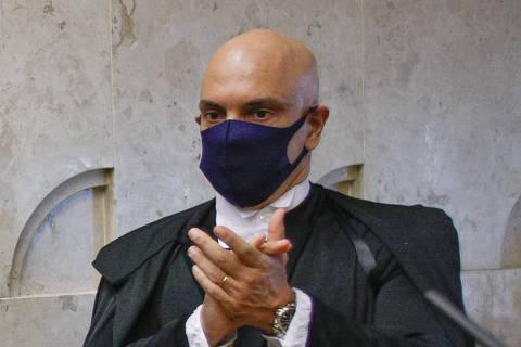 Moraes, do STF, manda PF retomar investigação que apura se Bolsonaro interferiu na corporação
