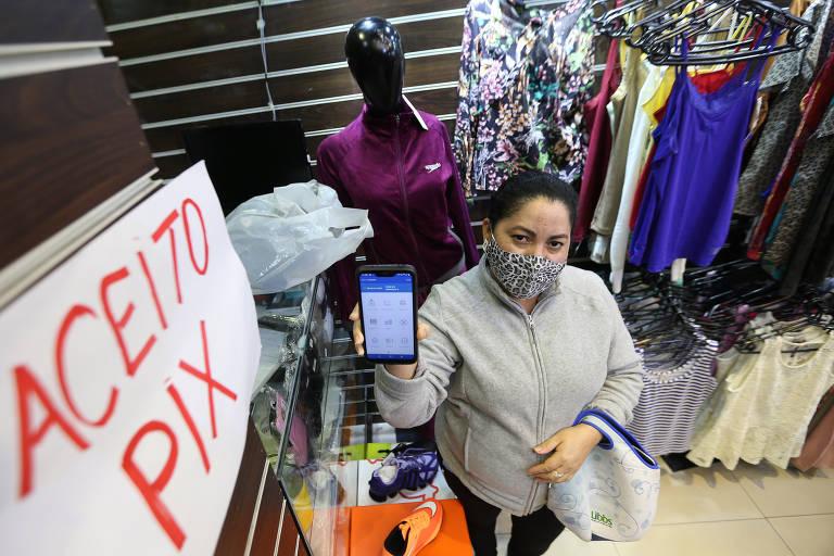 Pix cai no gosto do comércio popular em São Paulo