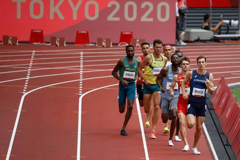 Thiago André em ação durante os 800 m no Estádio Olímpico de Tóquio