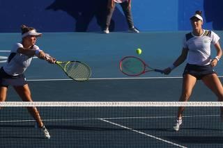 Tennis - Women's Doubles - Bronze medal match
