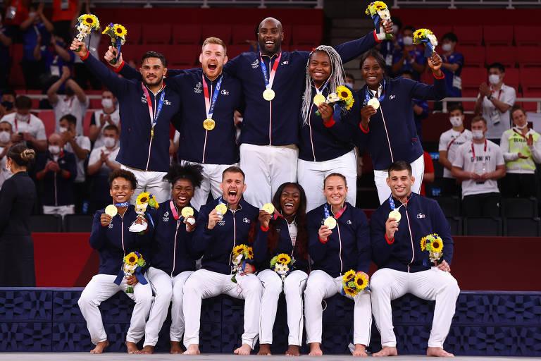 Judô por equipes traz clima de gincana escolar às Olimpíadas