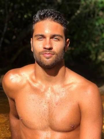 O jogador de vôlei de praia Vinícius Freitas