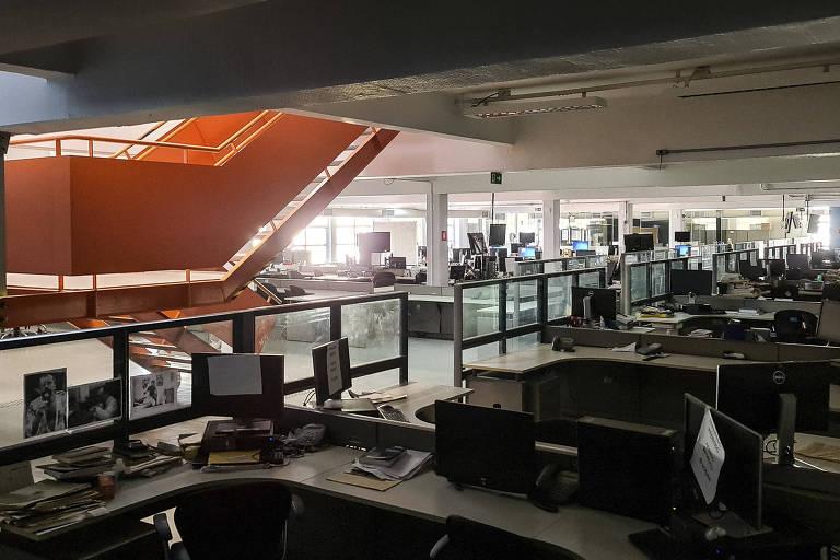 Registro da redação da Folha durante período de pandemia do novo coronavirus, quando a maioria dos profissionais da  está trabalhando sob o regime de home office