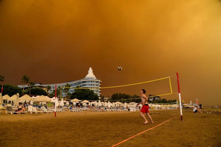 Turquia registra série de incêndios florestais