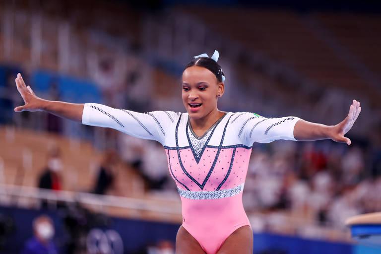 Rebeca Andrade durante a final de salto nas Olimpíadas de Tóquio