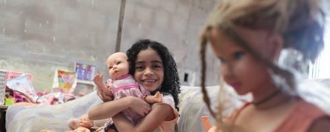 Paço do Lumiar - Maranhão, 19.07.2021, Matéria discute a formação da autoestima  da criança negra:  Manuela (e família) .  ( Foto: Junior Foicinha/Folhapress )