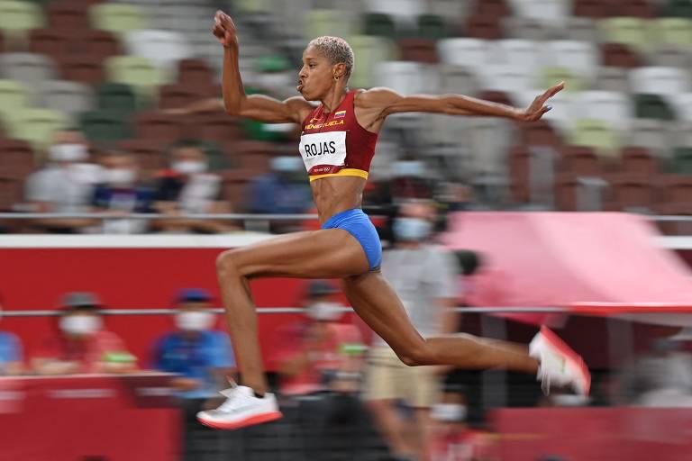 Atleta corre antes do salto