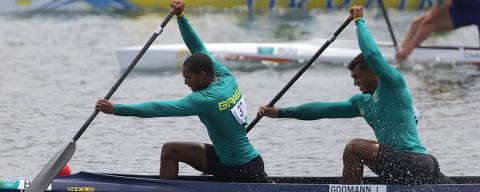 Tokyo 2020 Olympics - Canoe Sprint - Men's C2 1000m - Quarterfinals - Sea Forest Waterway, Tokyo, Japan - August 2, 2021. Jacky Godmann of Brazil and Isaquias Queiroz Dos Santos of Brazil in action REUTERS/Maxim Shemetov