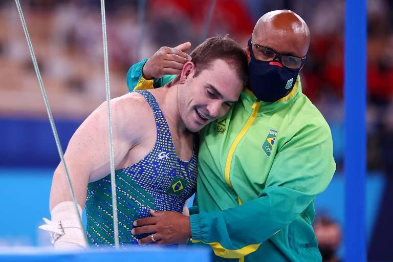 Feliz por arriscar nas Olimpíadas, Zanetti perde e chora só de saudades do filho