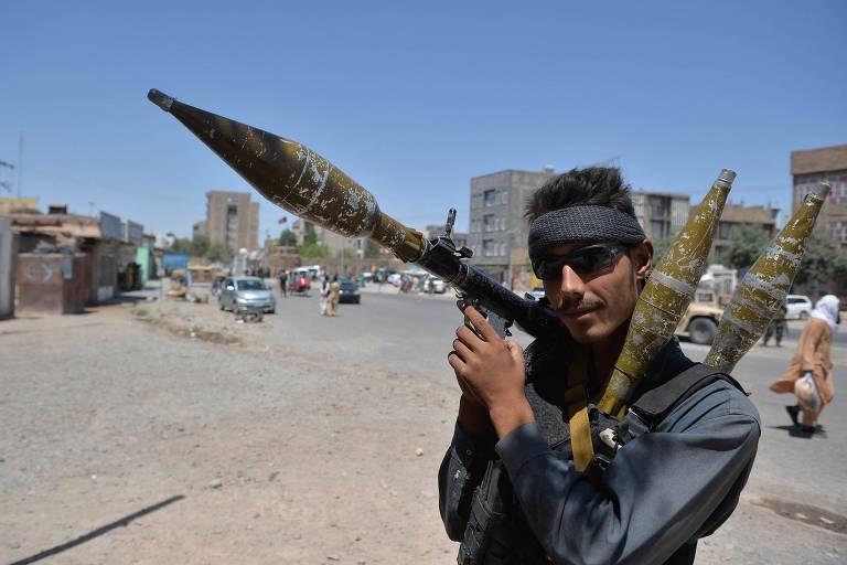 Presidente do Afeganistão culpa EUA pelo avanço militar do Taleban