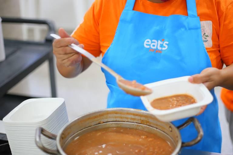 Com campanha #100MilSemFome, Eats for You entrega refeições saudáveis e frescas para pessoas em situação de rua em São Paulo