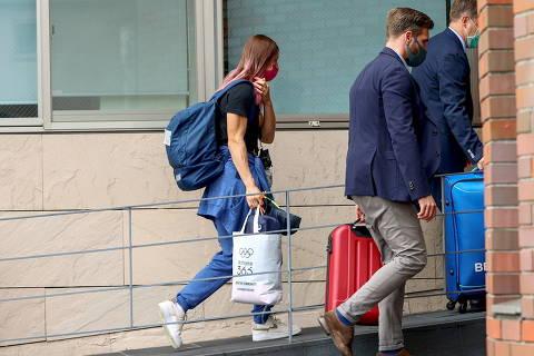 Belarusian sprinter Krystsina Tsimanouskaya enters the Polish embassy in Tokyo, Japan, August 2, 2021. REUTERS/Kim Kyung-Hoon ORG XMIT: GAZ