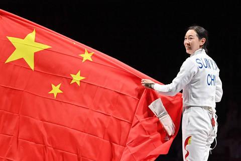 China cresce em medalhas e assombra os EUA