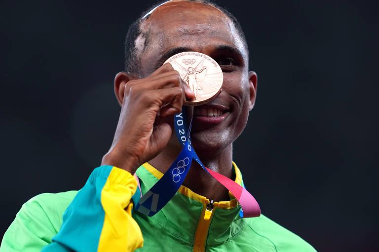 Alison dos Santos conquista o bronze na final dos 400 m com barreiras em Tóquio 2020
