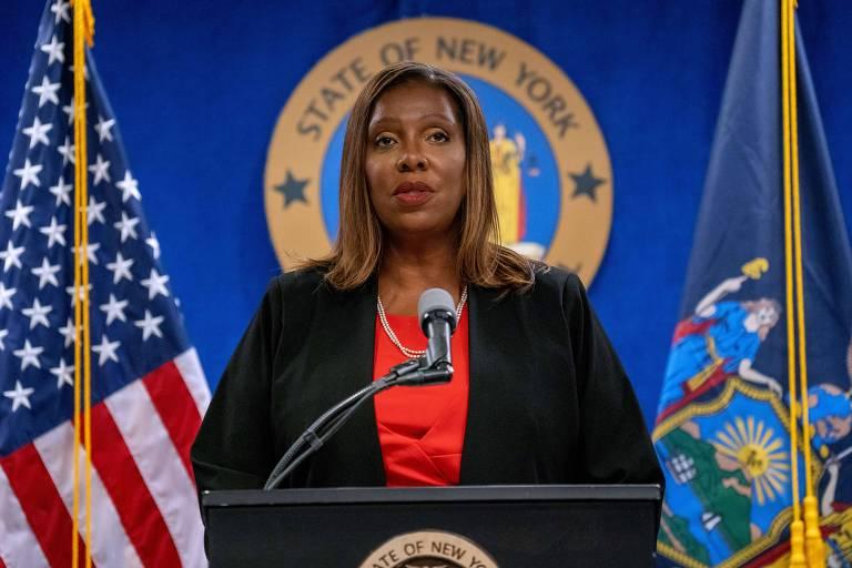 A procuradora-geral de Nova York, Letitia James, apresenta os resultados do inquérito contra o governador Andrew Cuomo