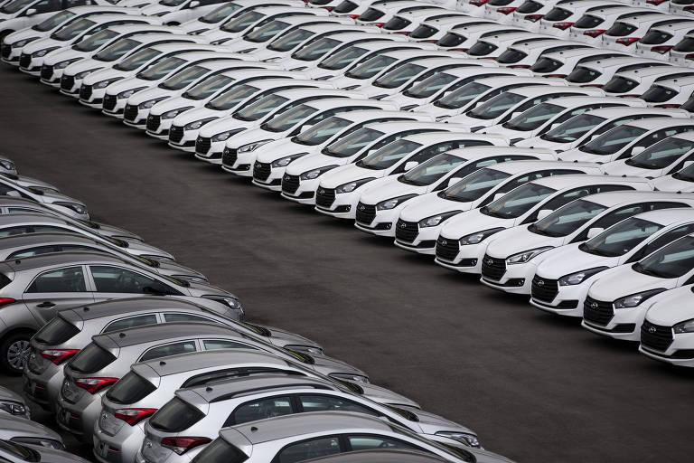 Vendas de carro caem em julho e agosto começa com fábricas paradas