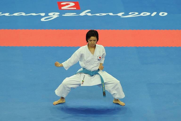 A japonesa Rika Usami, medalha de ouro no caratê nos Jogos Asiáticos, em 2010