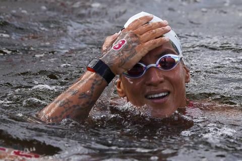 Ana Marcela Cunha conquista o ouro na maratona aquática nas Olimpíadas de Tóquio