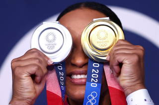 Gymnastics - Artistic - Women's Floor Exercise - Medal Ceremony