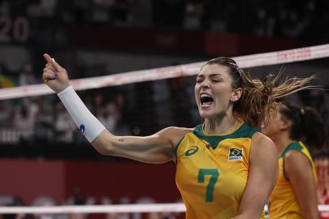 Seleção feminina de vôlei suporta tensão e volta a brigar por medalha nas Olimpíadas