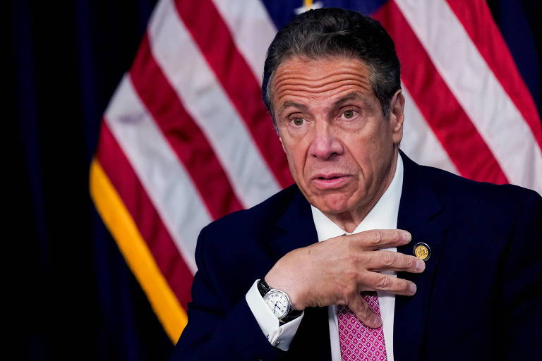 Governador de NY integra longa fila de políticos acusados de maltratar mulheres