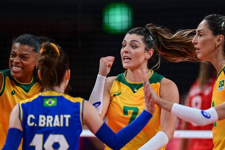 FIQUE DE OLHO: Após uma vitória maiúscula sobre as russas, as brasileiras terão pela frente a Coreia do Sul nas semifinais; a vitória garante pelo menos a prata