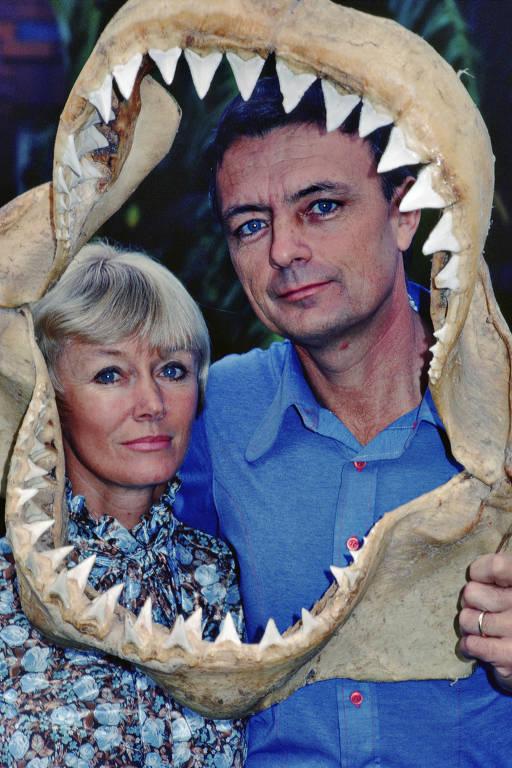 Em uma foto sem data de Valerie e Ron Taylor que trabalharam juntos até sua morte em 2012