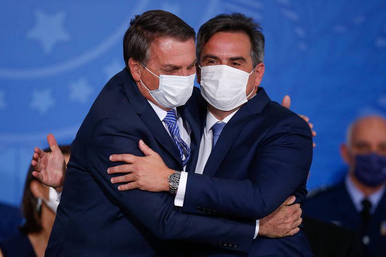 Bolsonaro e Ciro Nogueira, que tomou posse como ministro da Casa Civil, nesta quarta-feira (4)