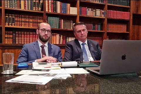 Bolsonaro acusa inquérito de Moraes de ilegal e ameaça jogar 'com as armas do outro lado' em 'antídoto fora da Constituição'