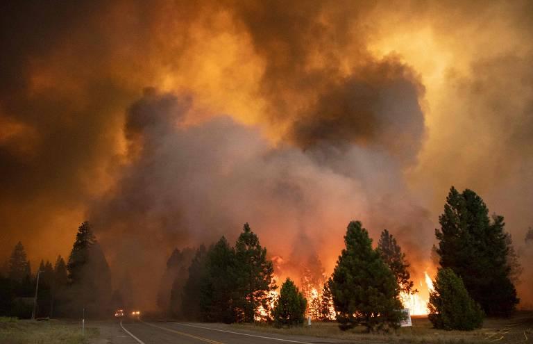 Incêndio Dixie destrói cidade de Greenville, na Califórnia