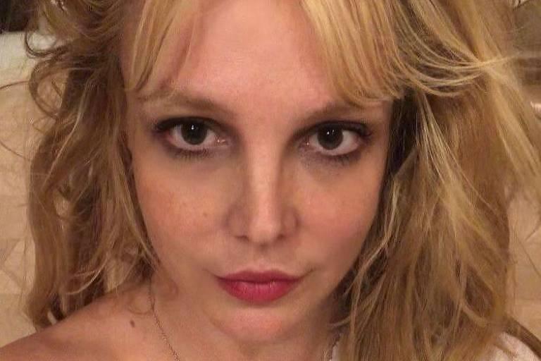 Britney Spears ganha seu primeiro tablet: 'Um dia histórico'