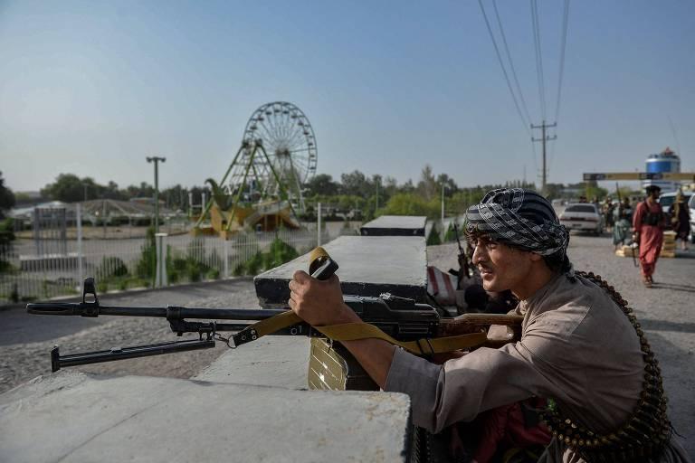 'Estou pronto para morrer', diz morador de cidade atacada pelo Taleban no Afeganistão