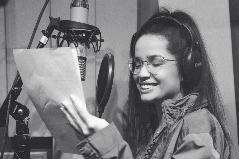 Juliette publica primeira foto em estúdio de gravação: 'Minha felicidade'