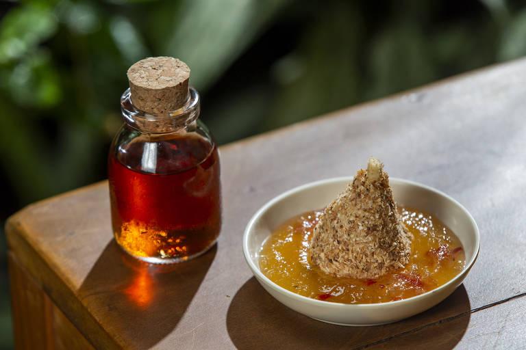 Moscatel serve inusitada coxinha de beijinho com pimenta