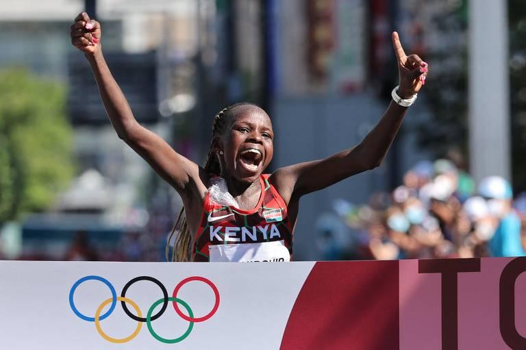 Queniana Jepchirchir vence maratona das Olimpíadas de Tóquio