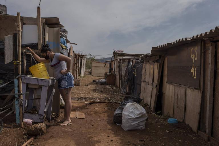Sem capacidade de pagar aluguel, famílias perdem teto na pandemia
