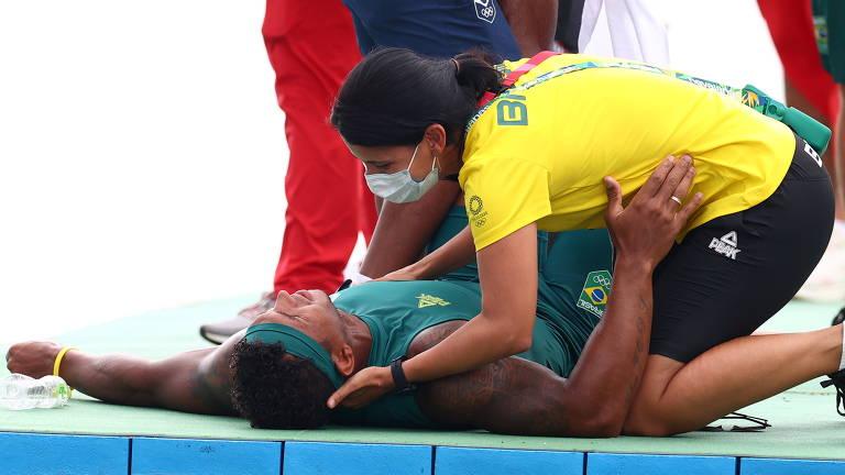Isaquias Queiroz é medalha de ouro na canoagem