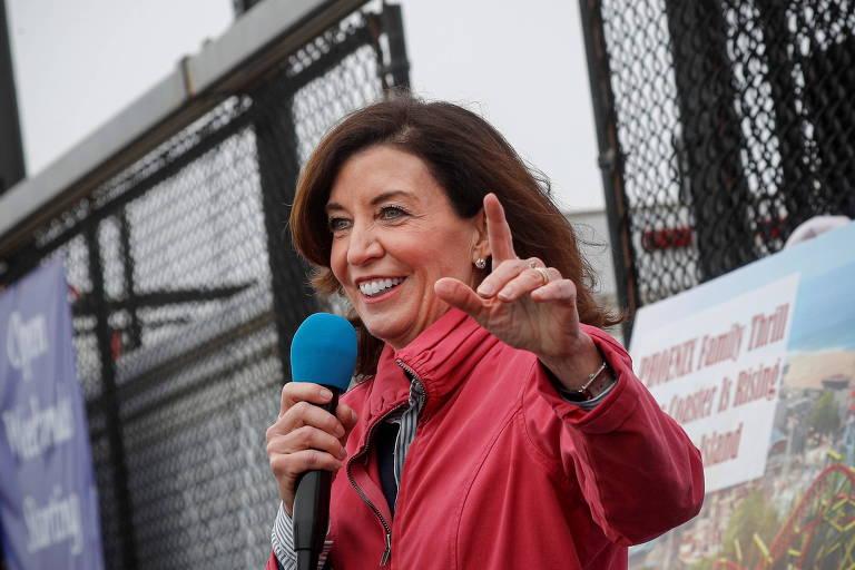 Nova York terá 1ª governadora após Cuomo renunciar por assédio sexual