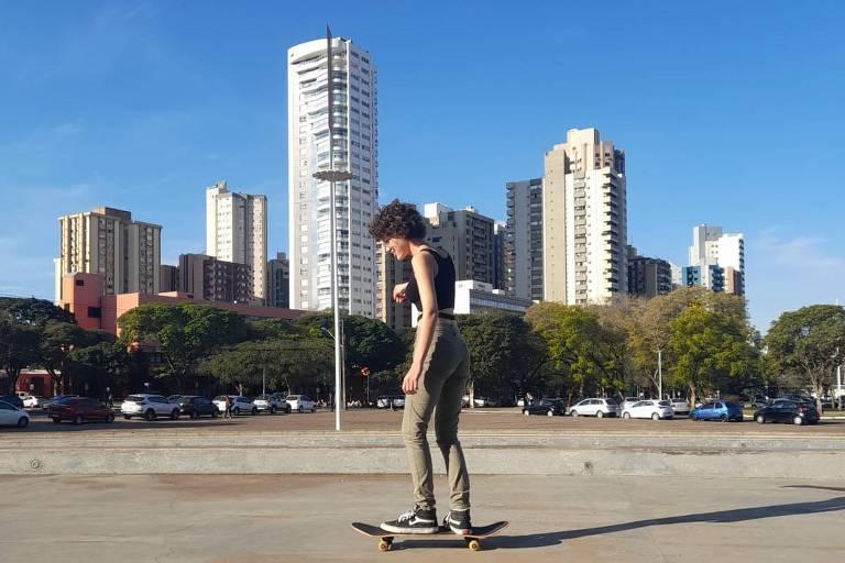Skate ganha novos praticantes, mas modalidade requer cuidados de iniciantes e veteranos