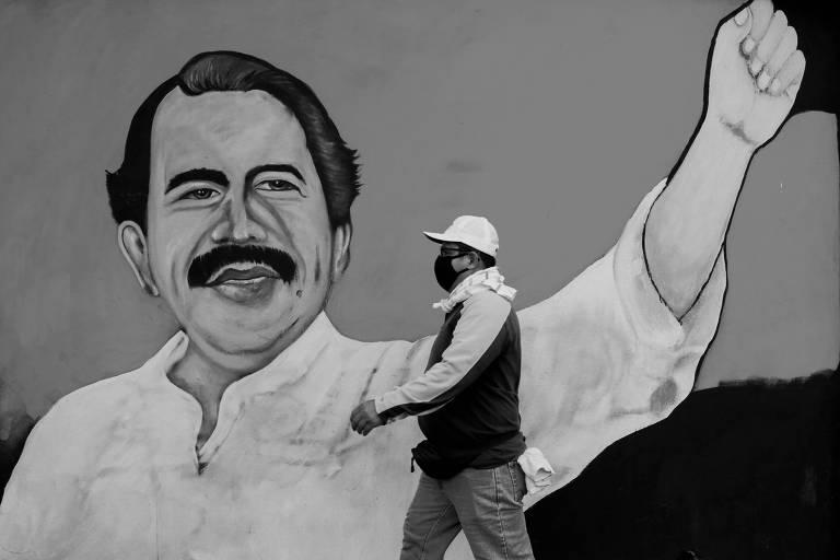 A farsa da ditadura