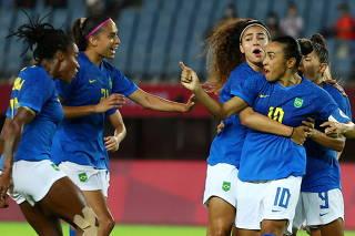 Soccer Football - Women - Group F - Netherlands v Brazil