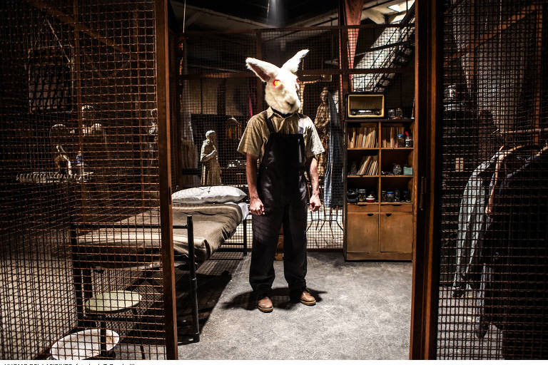 Veja cenas de 'O Labirinto', filme de terror com Dustin Hoffman