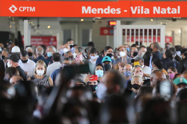 Com cinco anos de atraso e aglomeração, estação da CPTM é inaugurada na zona sul de SP