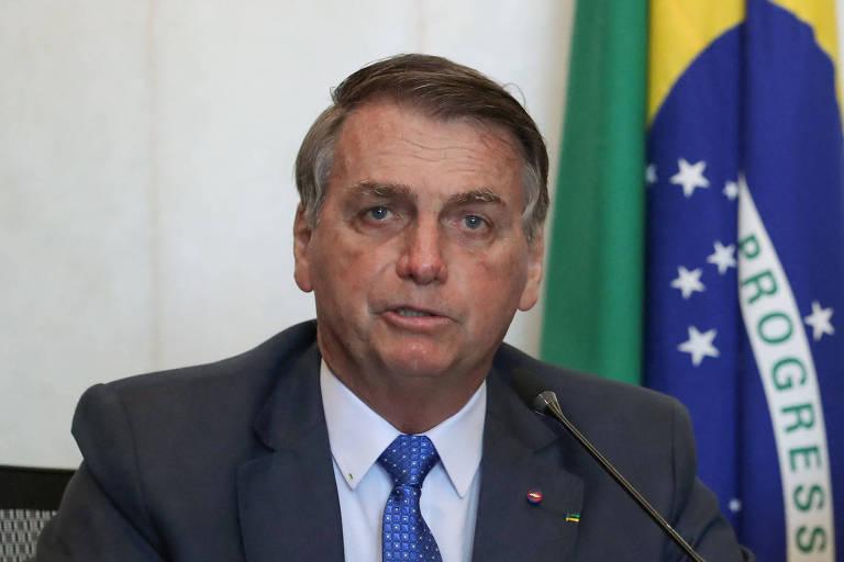 Após ataques à Argentina, Bolsonaro diz a embaixador que só há rivalidade no futebol