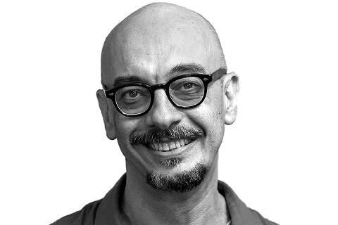 Rio de Janeiro, Rj, BRASIL. 10/04/2017;  Retrato do escritor e colunista da Folha Sergio Rodrigues para o novo site do jornal. ( Foto: Ricardo Borges/Folhapress) *** colunista up *** ORG XMIT: AGEN1704172126050632